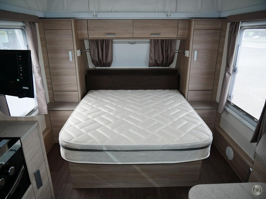 2016 Jayco Journey Outback 17.55 8 Pop Top