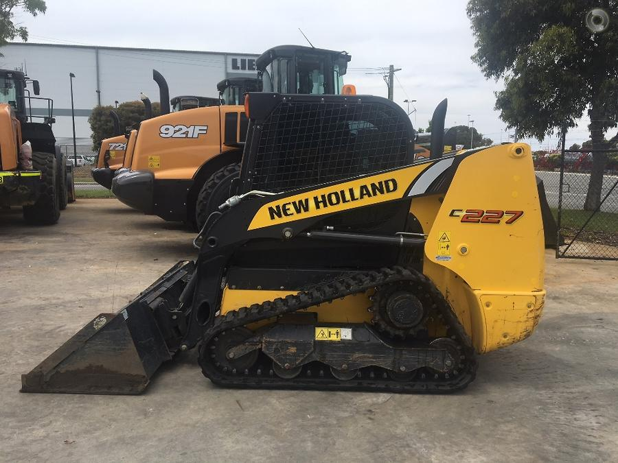 2016 New Holland C227 Compact Track Loader