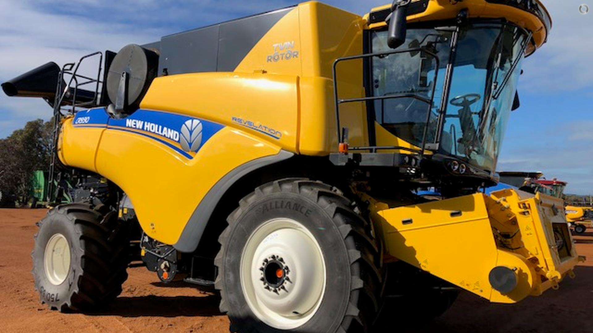 0 New Holland CR9.90 Combine Harvester