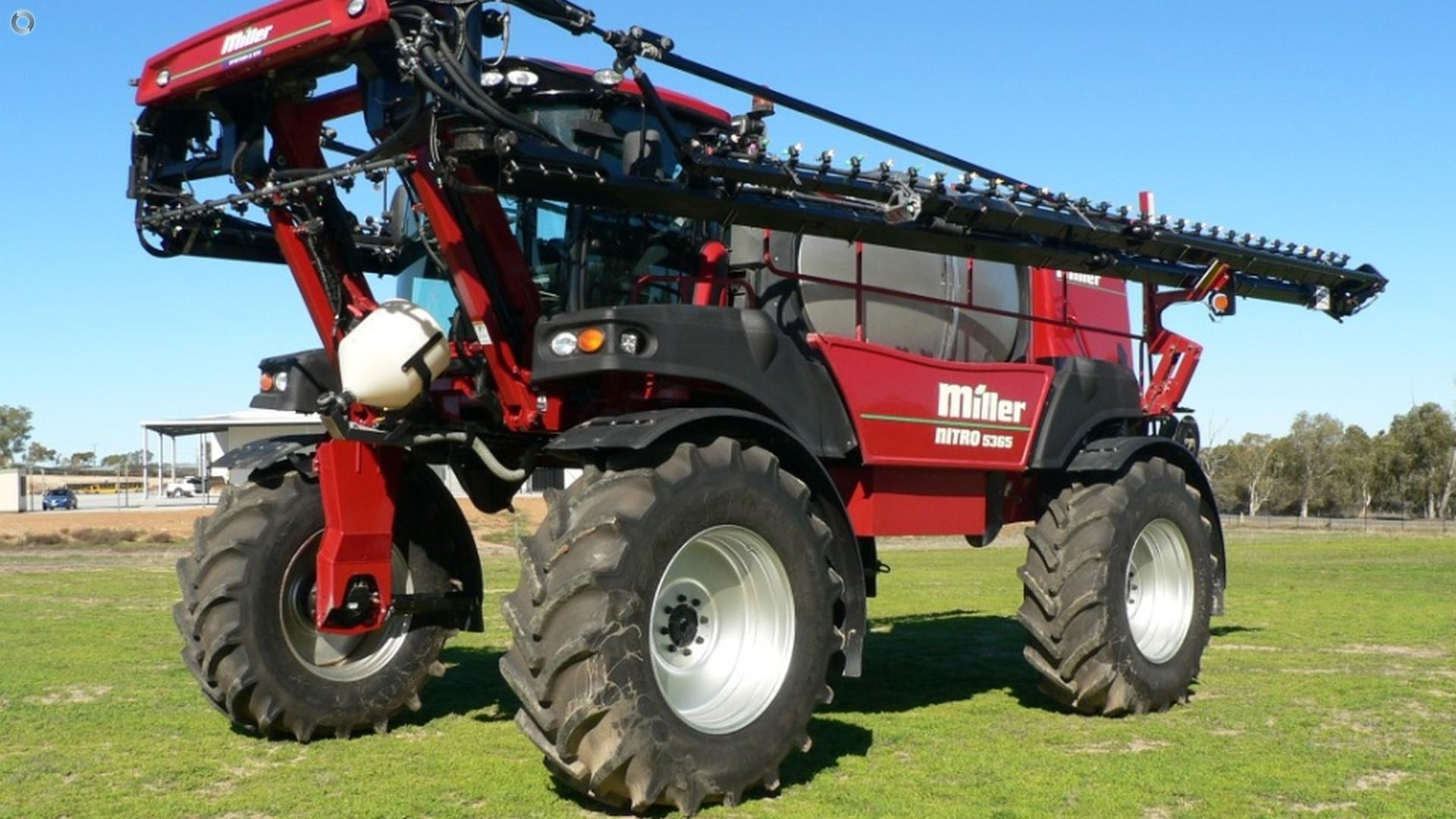 2014 MILLER Nitro 5365 Sprayer