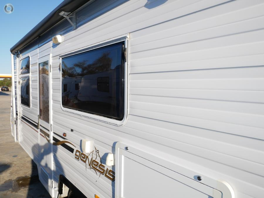 2010 Windsor Genesis Triple Bunks