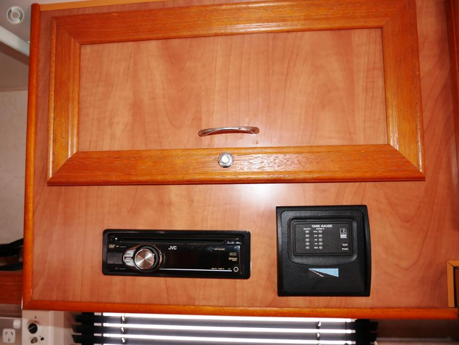 2009 Olympic Seaview 610SS