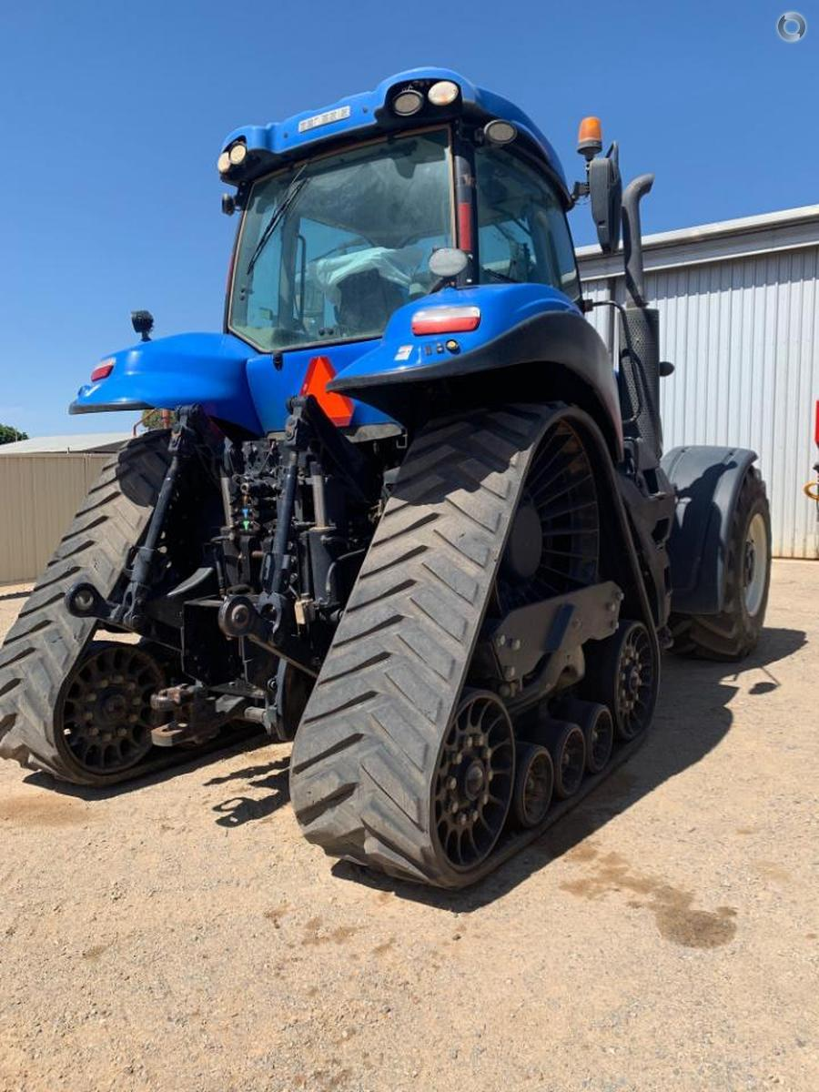 2015 New Holland T8.435