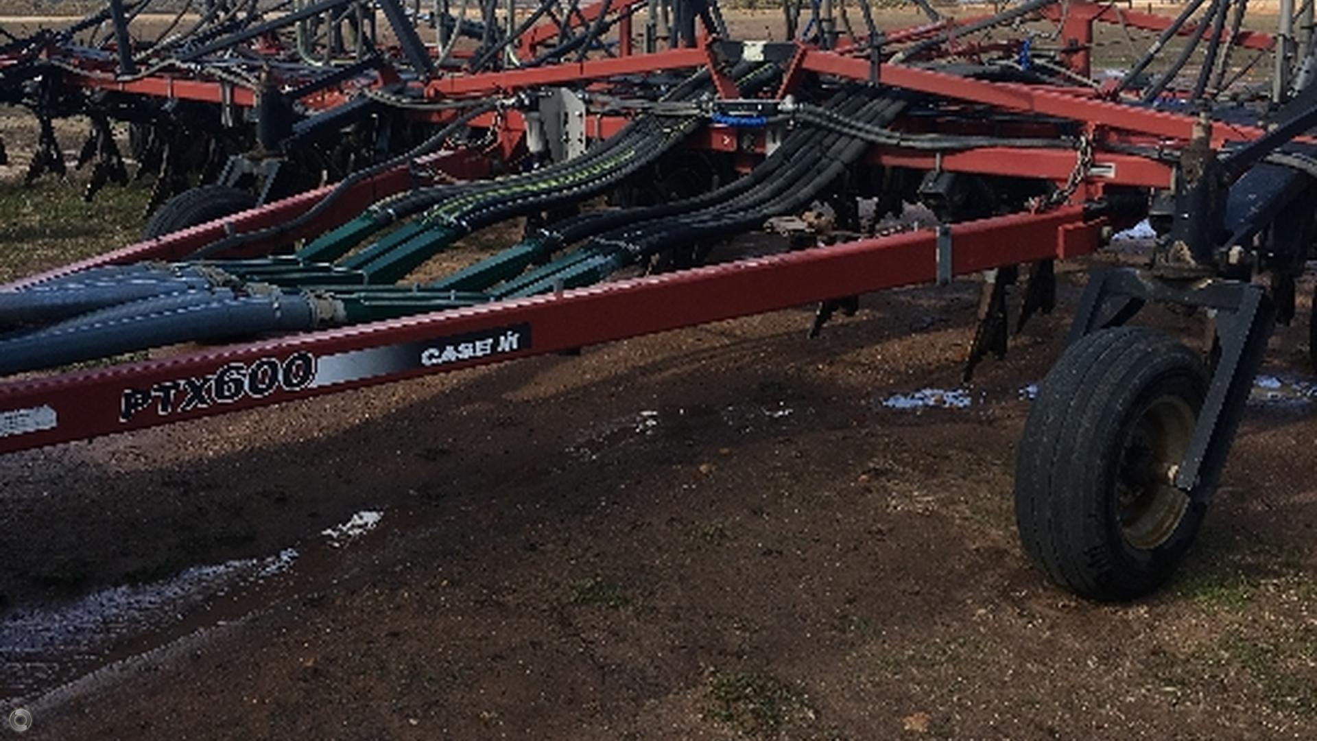 2003 CASE IH PTX600 Seeding Bar