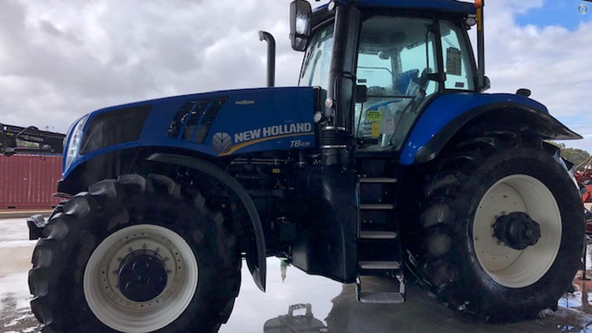 0 New Holland T8.435 Tractor