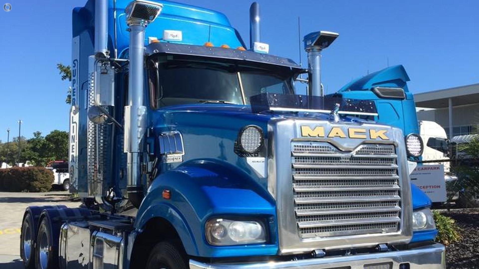 2014 Mack SUPER LINER Superliner