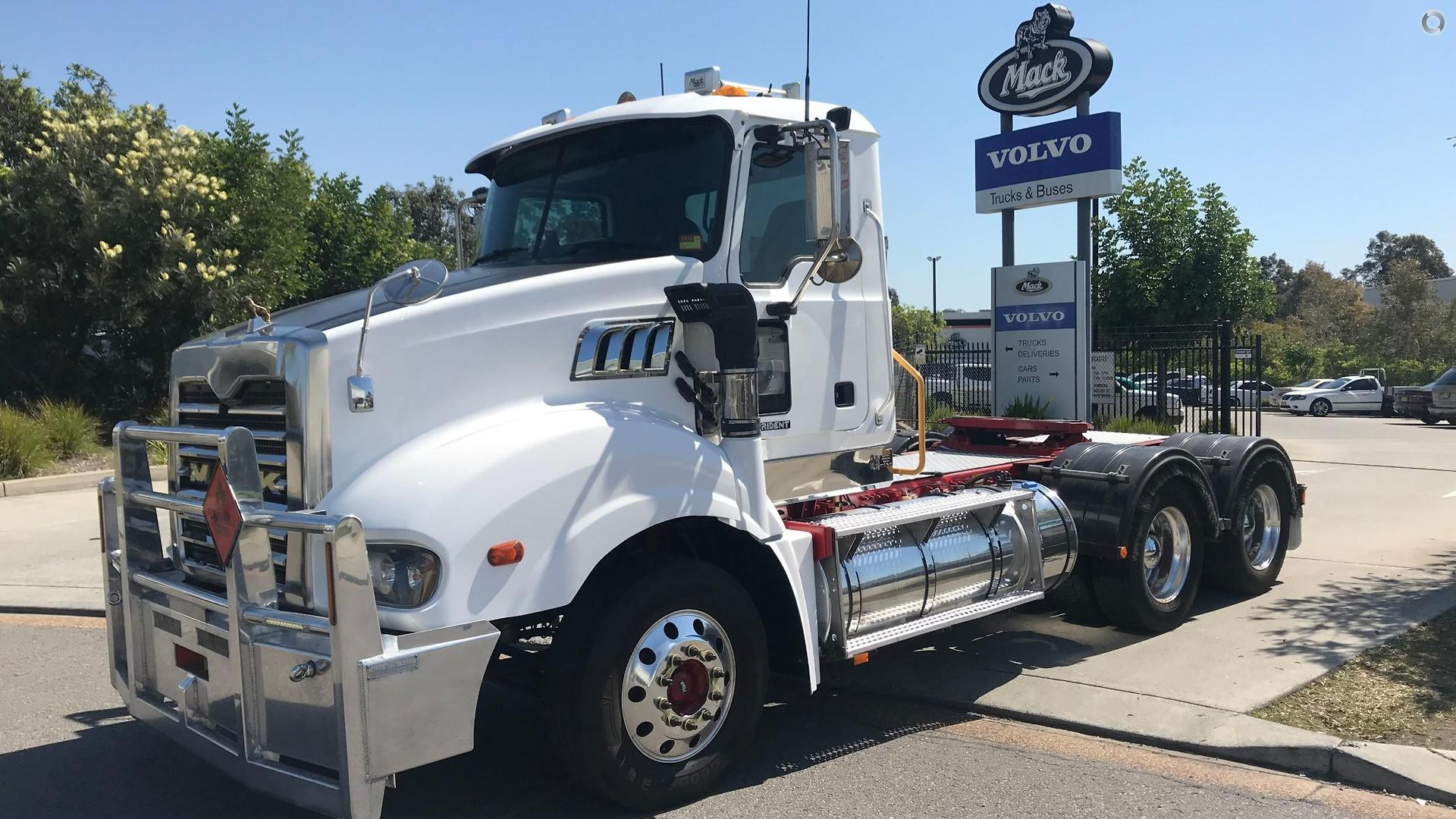 2014 Mack TRIDENT Axle Back