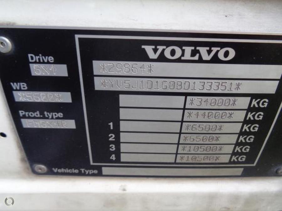 2011 Volvo FM330