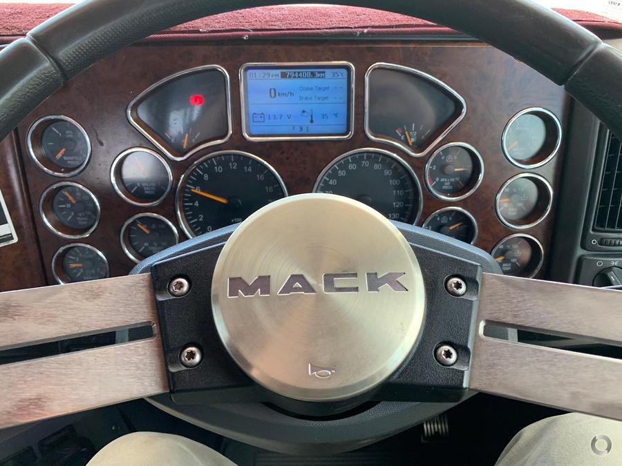 2015 Mack SUPER LINER