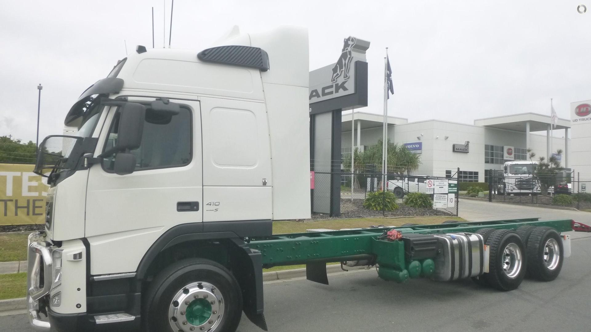 2011 Volvo FM410